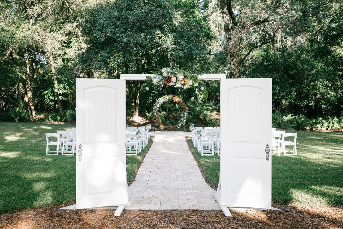 A modern garden wedding at the French Country Inn