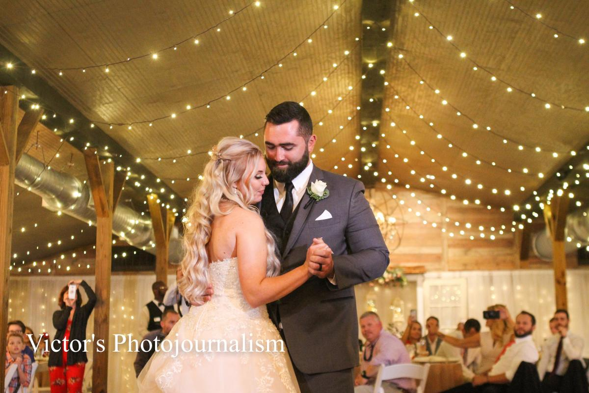 Jenna and Jeremy's first dance