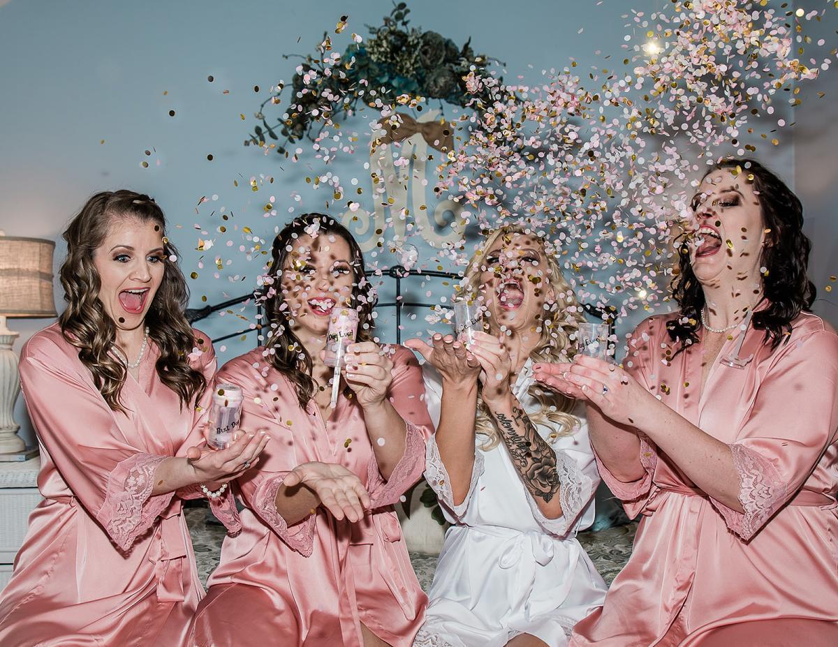 Bridesmaids glitter toss