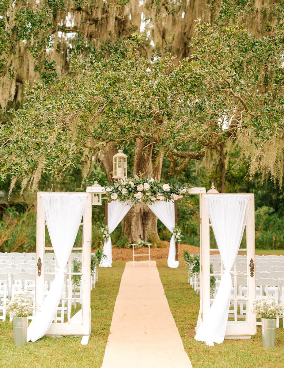Caitlin and Michael's Oak Tree wedding decor