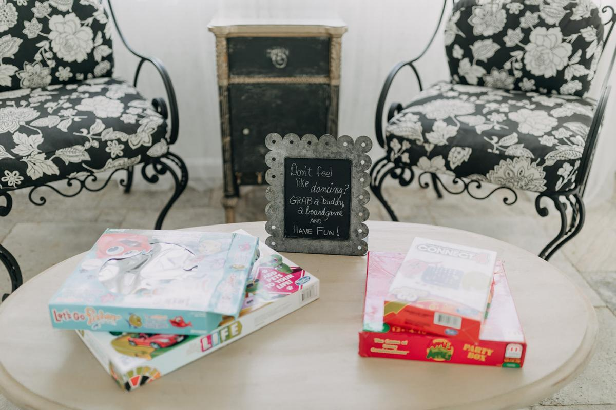 Fun wedding games for the guests
