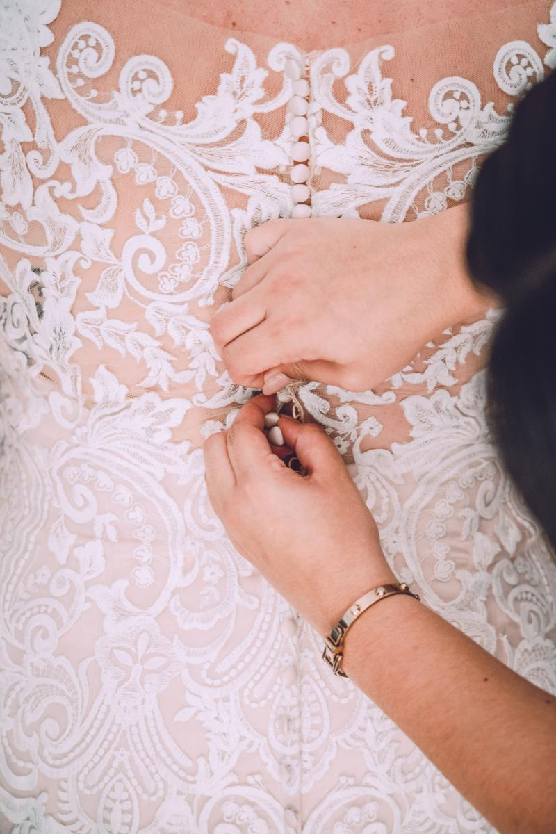 Gorgeous lace wedding dress details