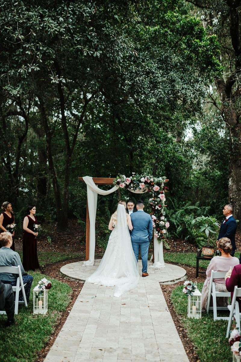 Nina and Carlos's garden wedding ceremony