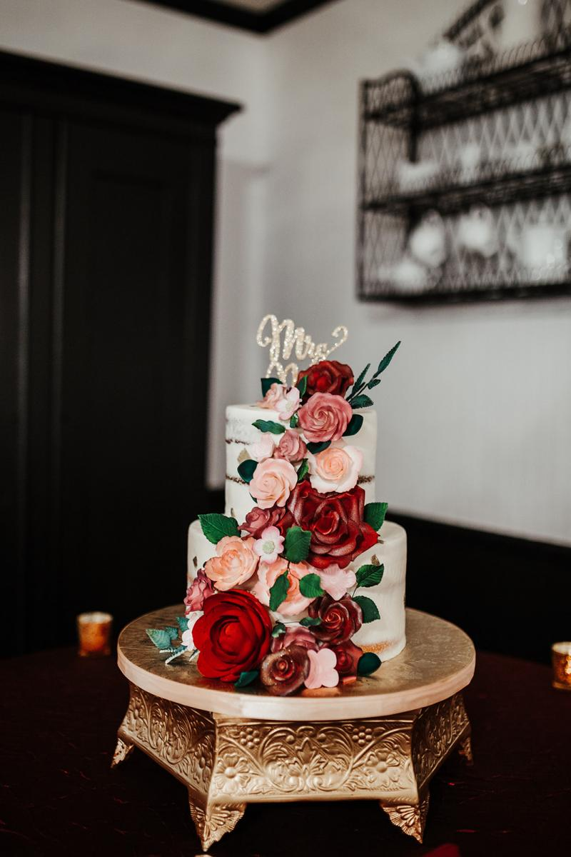 Gorgeous two tier wedding cake from Alessi Bakery