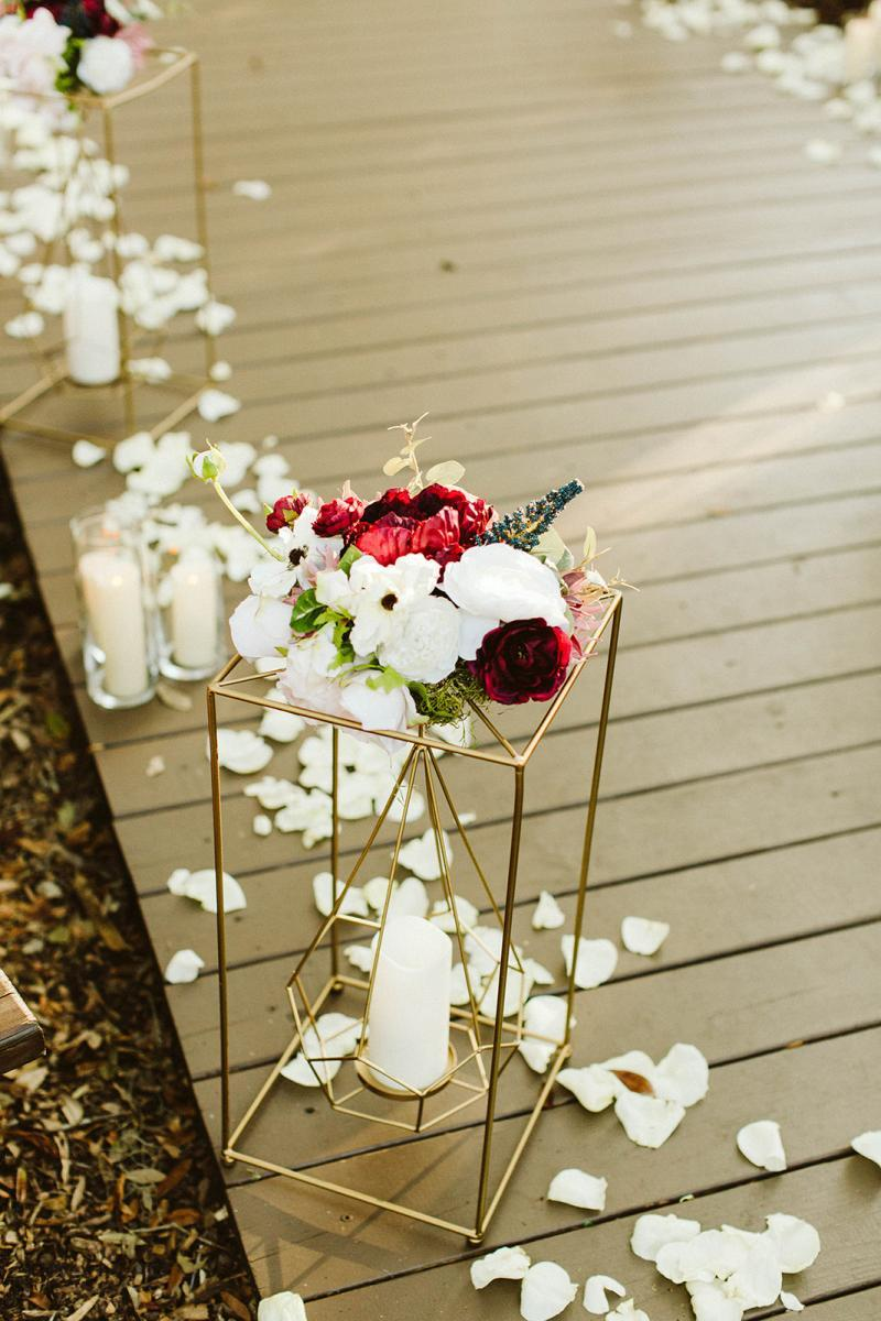 Modern romantic wedding ceremony decor