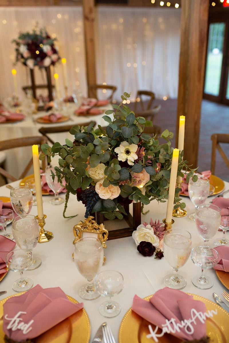 Modern romantic wedding centerpiece
