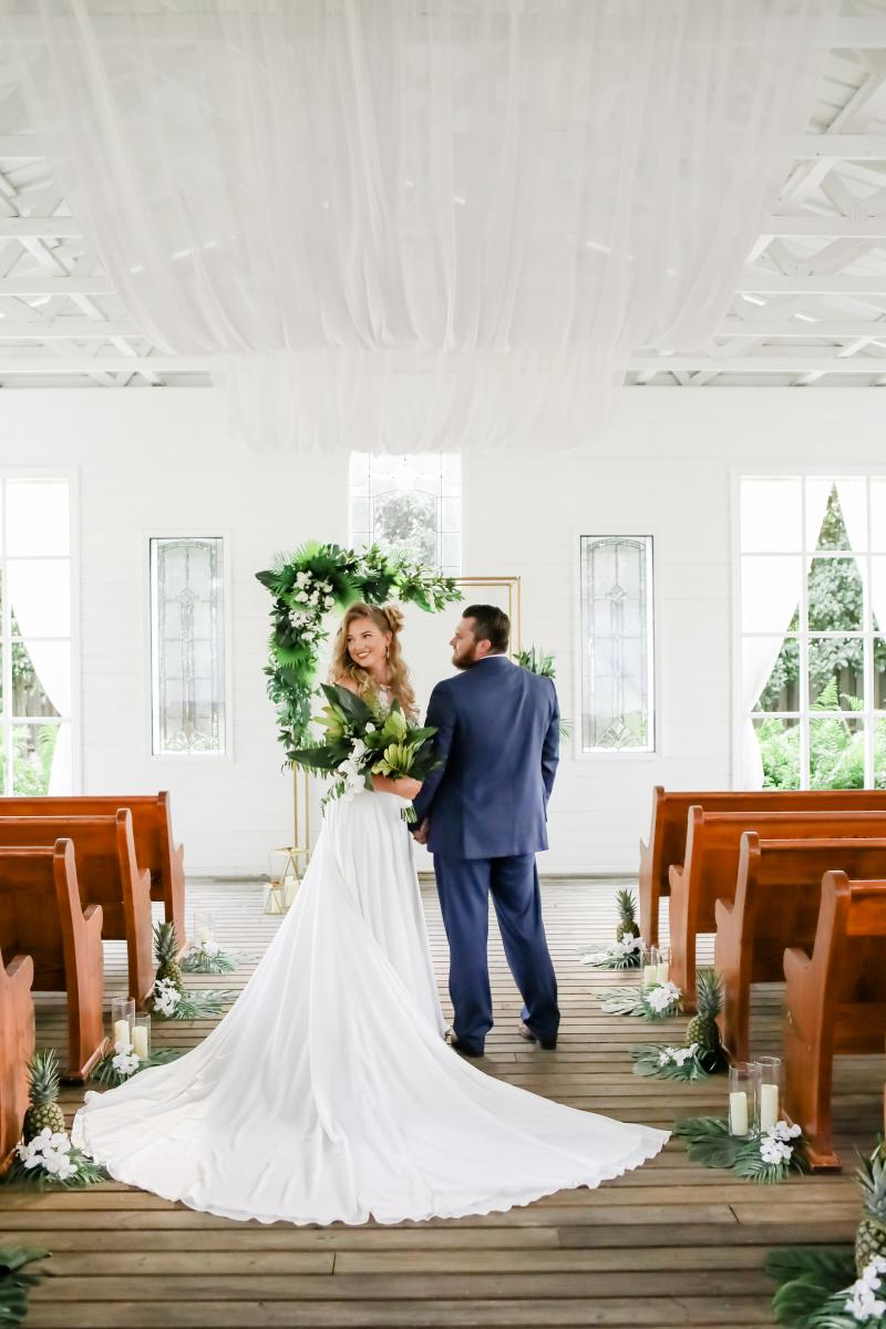 Tropical ceremony at the Chapel