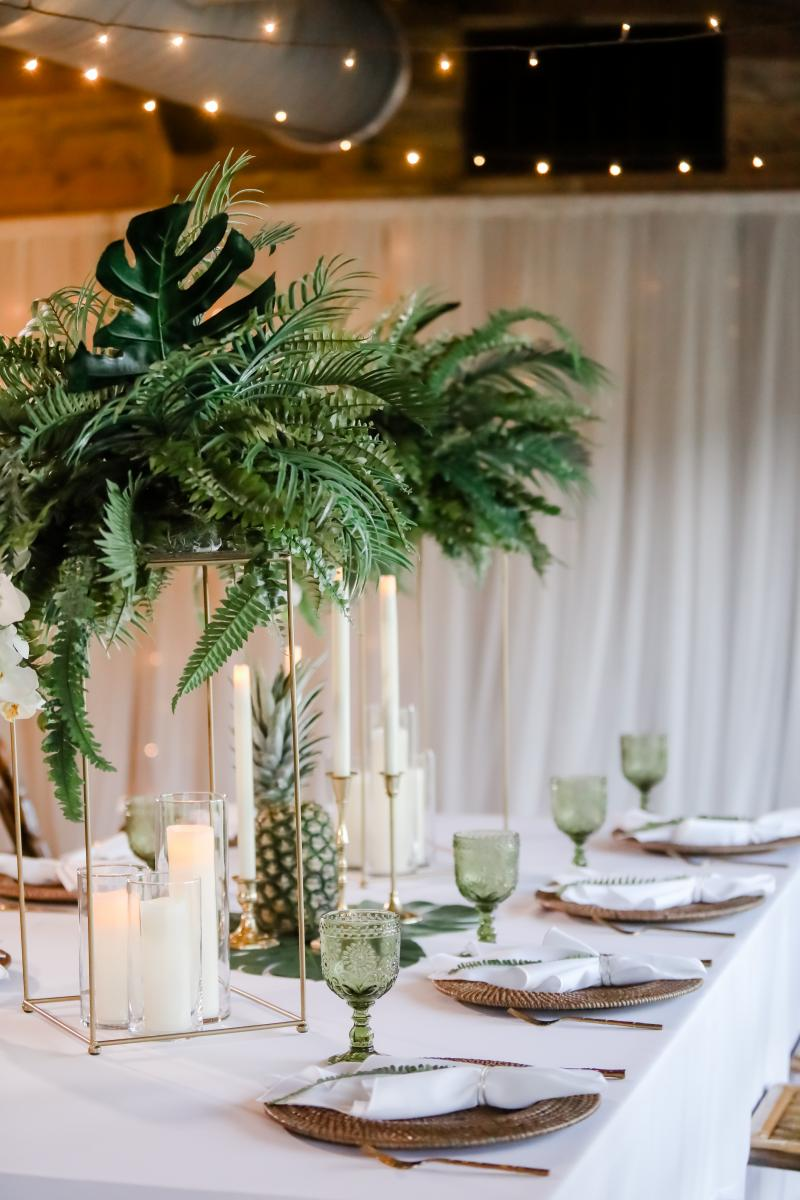 Tropical decor for the tablescape
