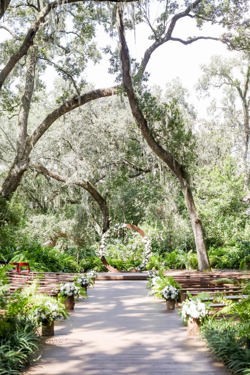 Garden inspired wedding details at the Enchanted Forest